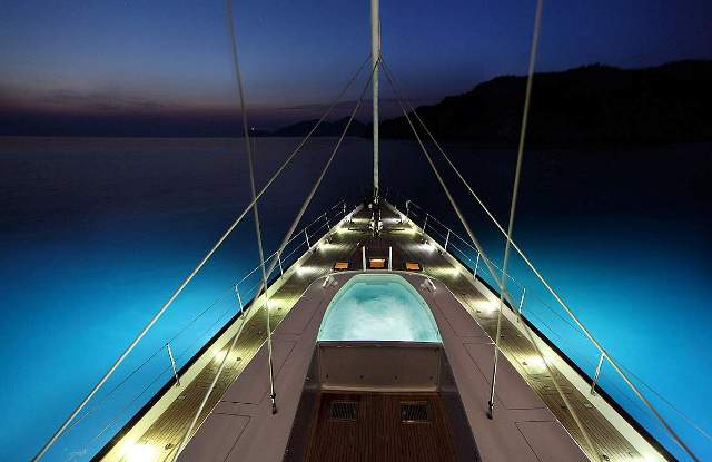 PRANA. Weekly charter rate:  from €175,000